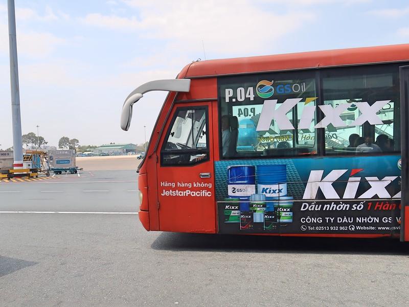 IMG_3223-bus-to-jetstar-flight.jpg