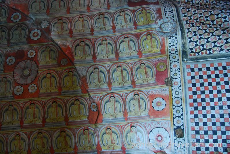 Cave Temples at Dambulla (2).jpg