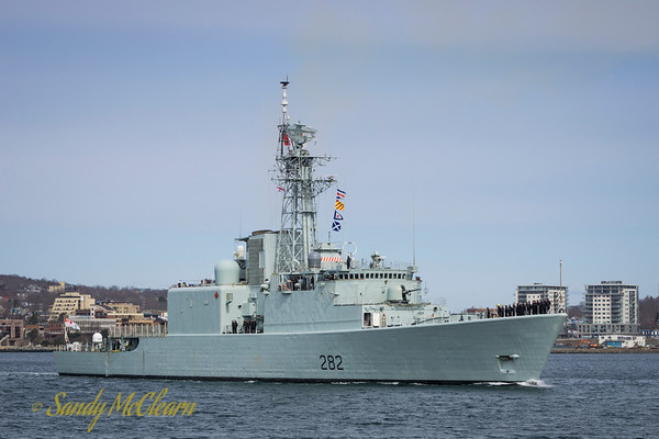 Paying off HMCS ATHABASKAN