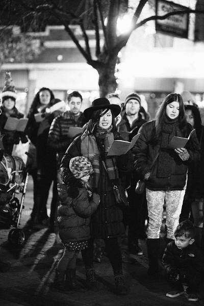MD Lincoln Square Caroling Soirre 2014-23.jpg