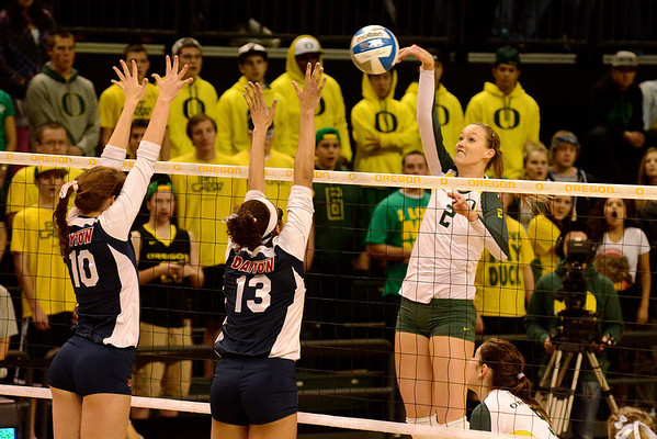 NCAA Women's Volleyball-Oregon vrs Dayton
