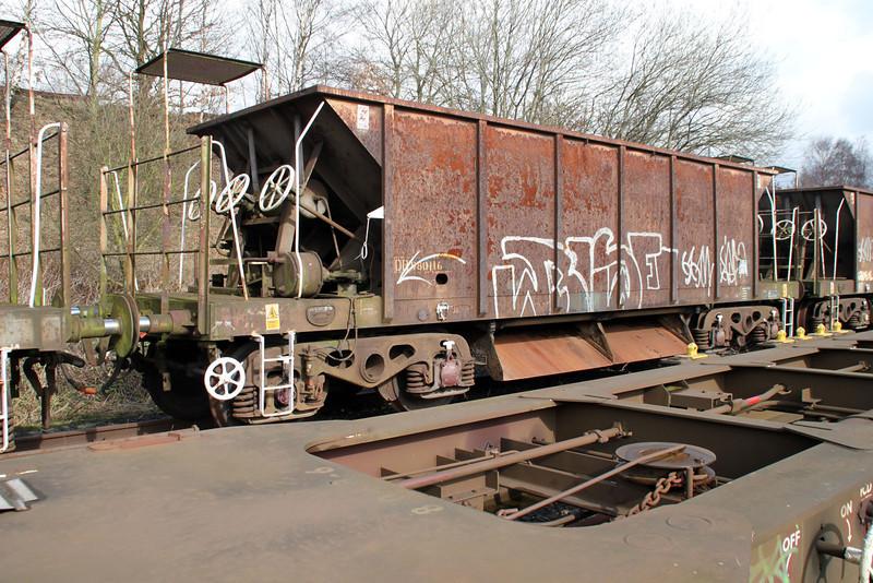 YGB 980116 Walton Old Yard 17/03/12