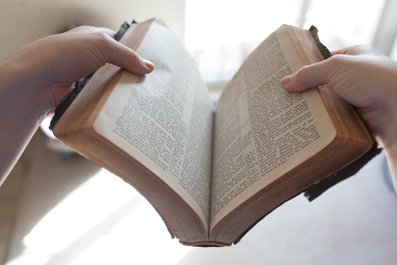 Bible9.jpg