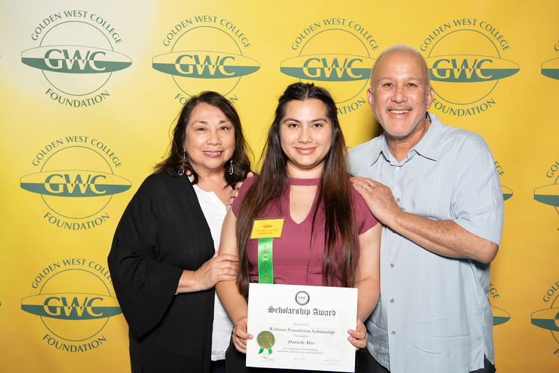 Scholarships-Awards-2019-0882.jpg
