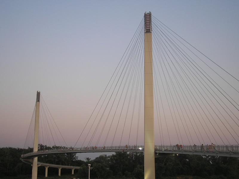 Kerrey_Pedestrian_Bridge-OMAHA