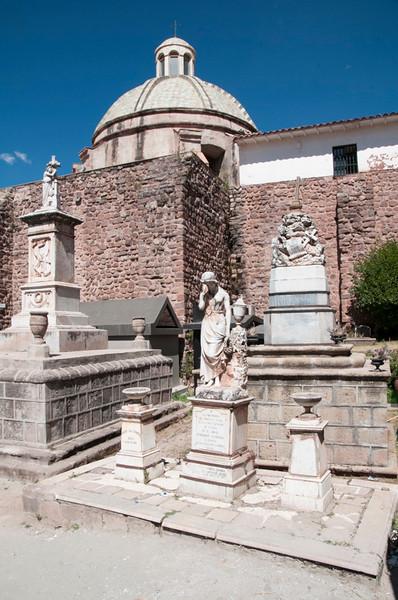 Cusco_Cemetery 02.jpg