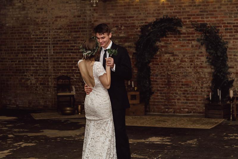 Schnieder Wedding_edited (272 of 334).jpg