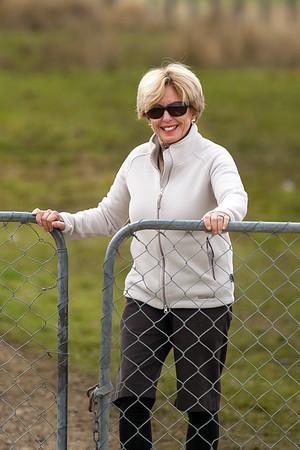 20170404 Catherine on gate duty - Wairaki Stn _MG_4153 a.jpg