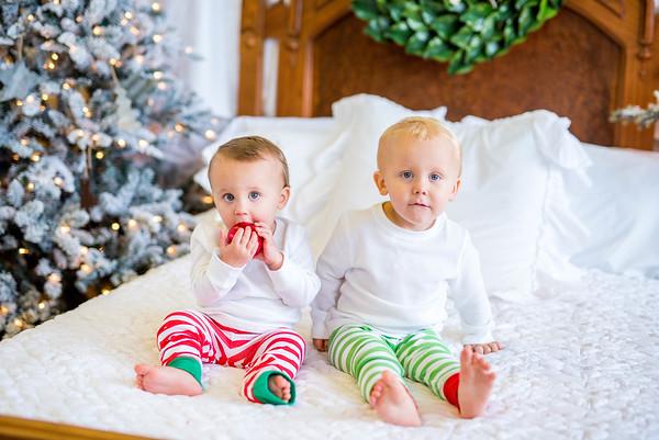 Leavitt: Christmas PJs