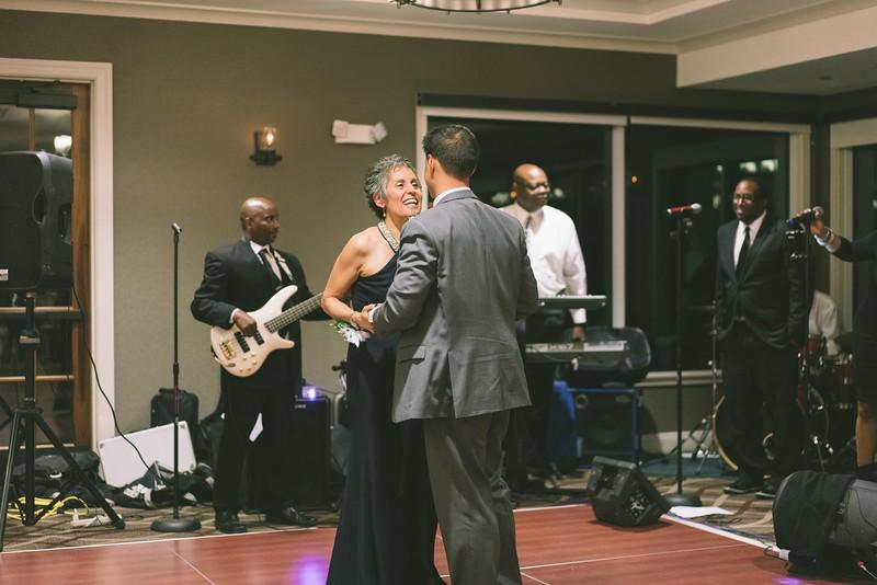 MP_18.06.09_Amanda + Morrison Wedding Photos-02920.jpg