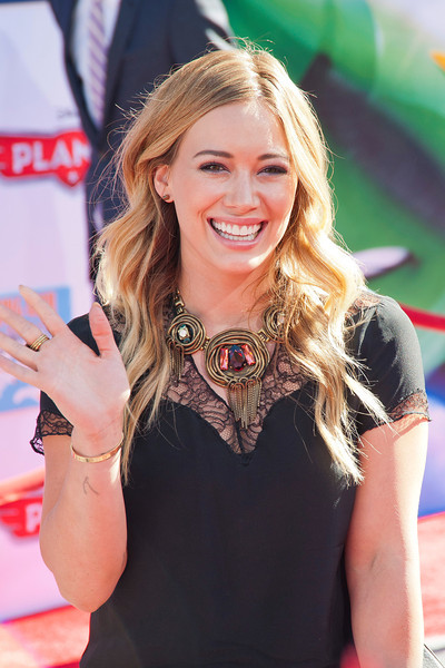 HOLLYWOOD, CA - AUGUST 05: Actress Hilary Duff arrives at the Los Angeles premiere of 'Planes' at the El Capitan Theatre on Monday August 5, 2013 in Hollywood, California. (Photo by Tom Sorensen/Moovieboy Pictures)