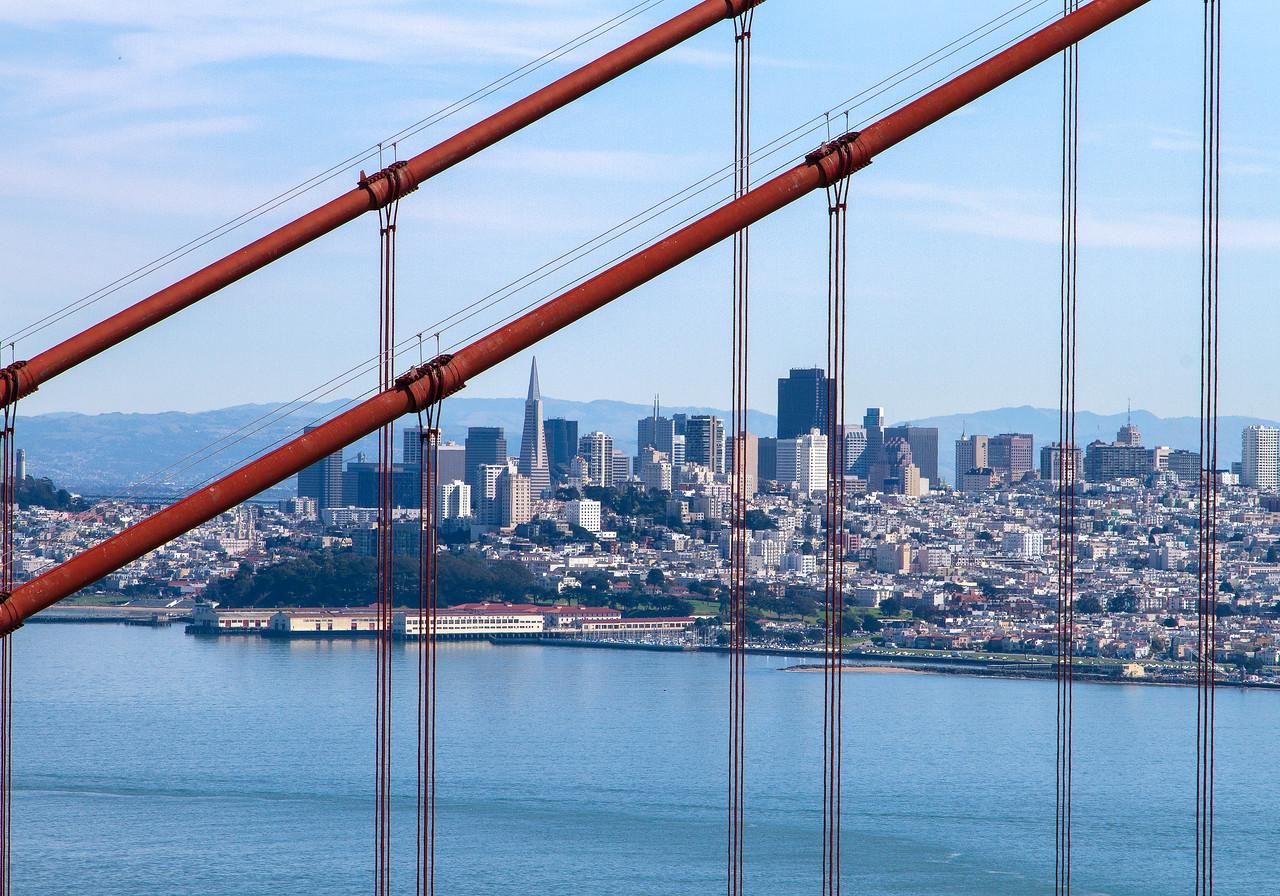 San Francisco Skyline throught the Golden Gate Bridge #KW-46
