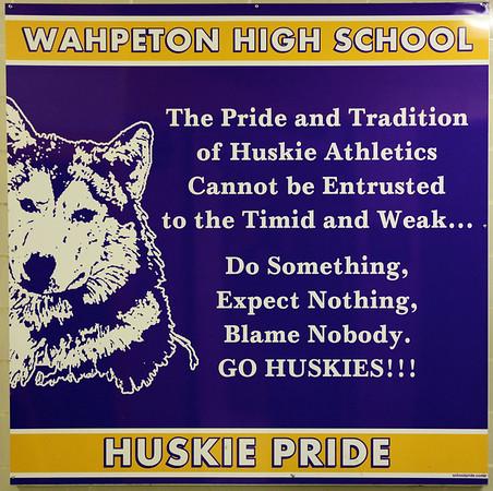 Huskie Boys Basketball, 2013-14