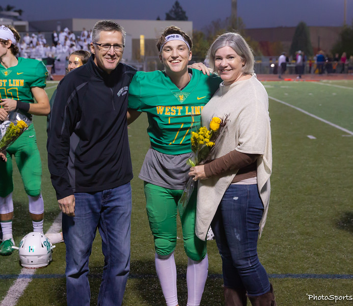 2018 West Linn Seniors-1378.jpg