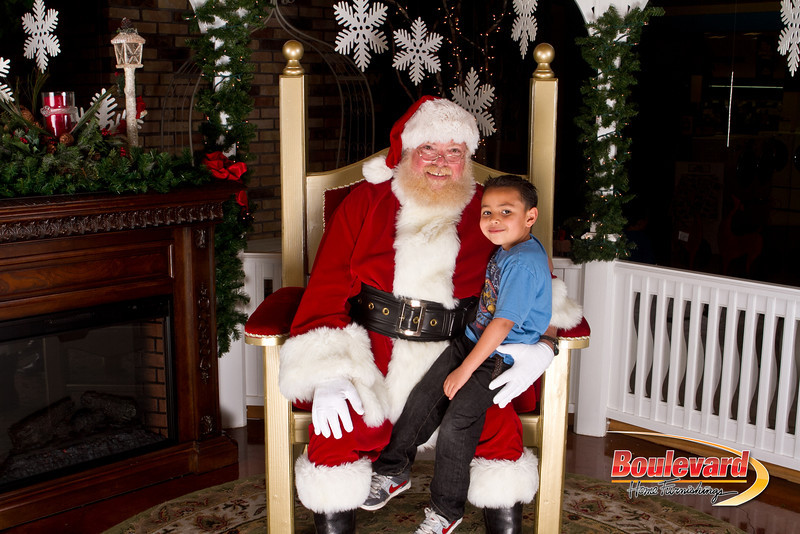 Santa Dec 15-284.jpg