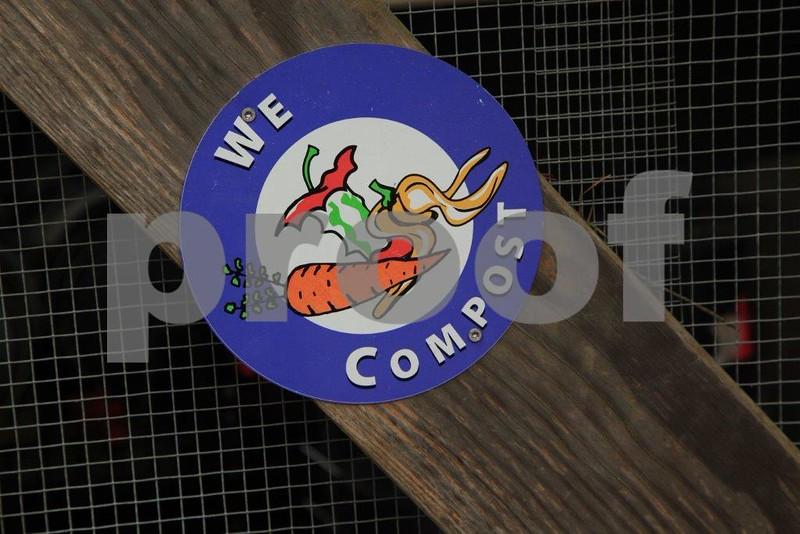 We Compost sign 5037.jpg
