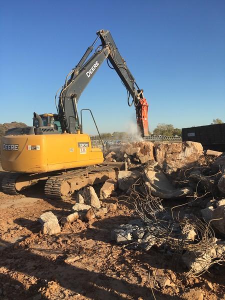 NPK GH6 on Deere 130G excavator_breaking oversize(5).JPG