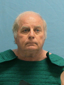 former-arkansas-judge-admits-to-giving-light-sentences-for-nude-photos-sexual-favors