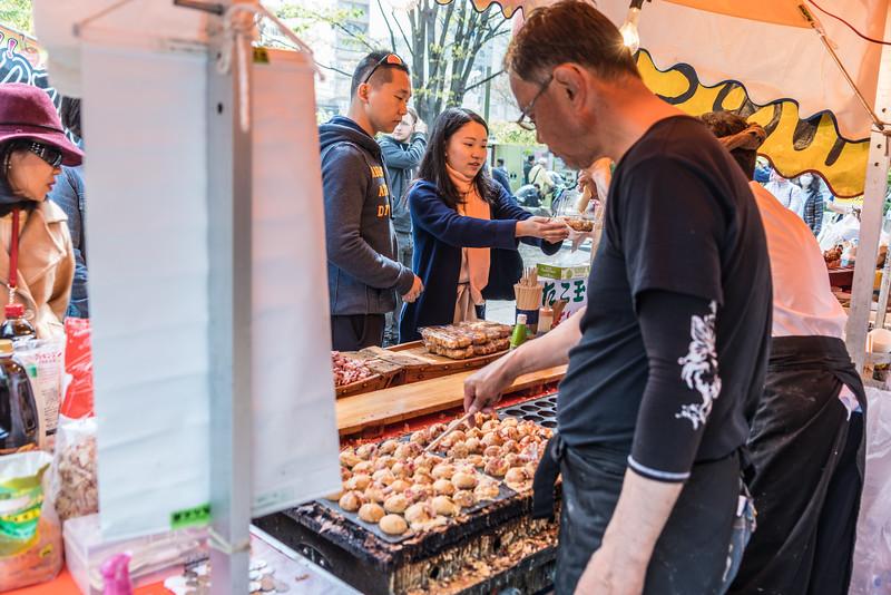 Food vendor at Tokyo's Senso-ji temple complex