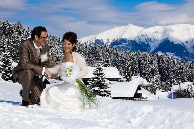 dreampix-Hochzeitsfotograf-Graubuenden-Schneehochzeit-2.jpg