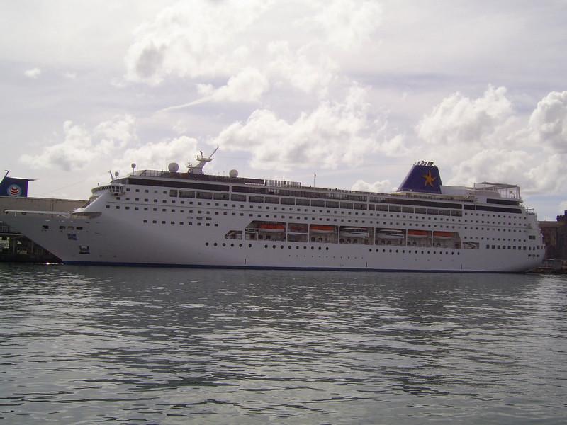 2007 - M/S GRAND MISTRAL in Napoli.