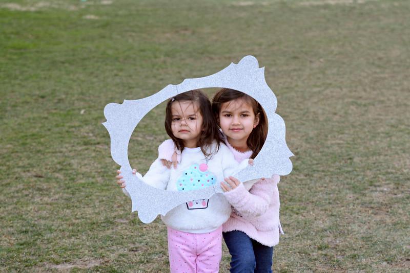 Siblings_Kira and Layla Perera.JPG