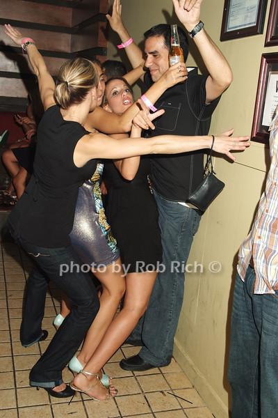 xo photo by Rob Rich © 2008 516-676-3939 robwayne1@aol.com