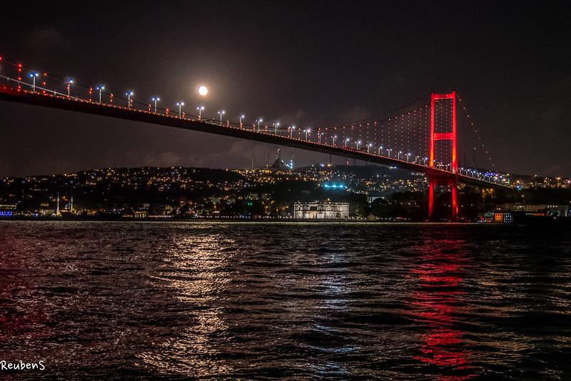 Bosporus  moon rising.jpg