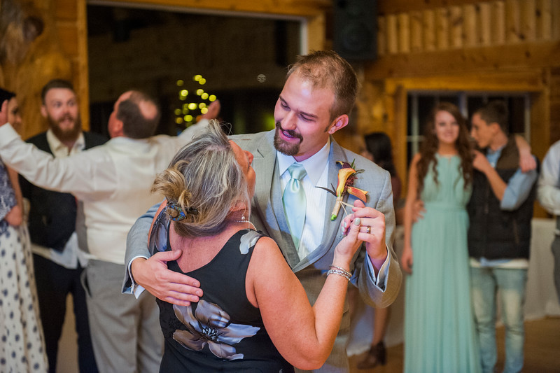 Jodi-petersen-wedding-663.jpg