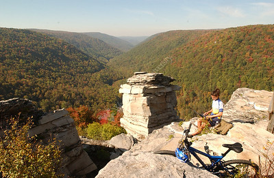 23837 BICYCLIST AT OVERLOOK AT CANNAN VALLEY