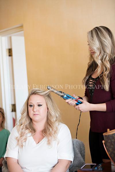 Hillary_Ferguson_Photography_Melinda+Derek_Getting_Ready115.jpg