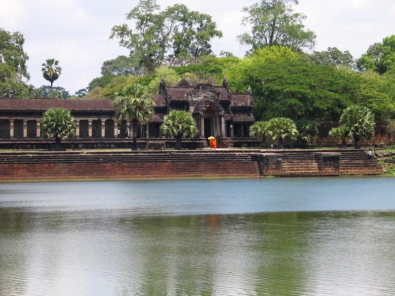 Angkor Wat afternoon.jpg