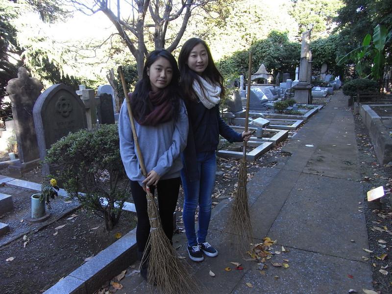 Cemetery Clean-up 11132013_10830301435_l.jpg