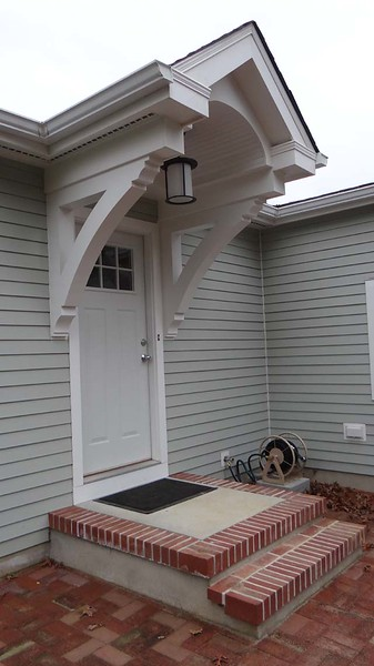 Front Porch with Wood Bracket 16T6 Smooth Finish