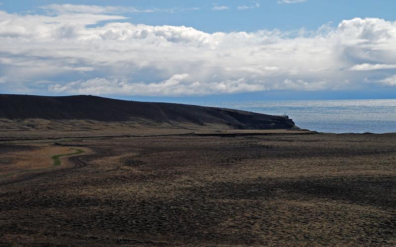 Krýsuvíkurbjarg framundan