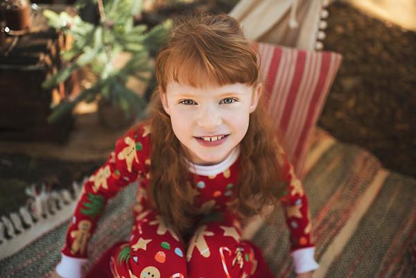 Isabella {Christmas 2019}
