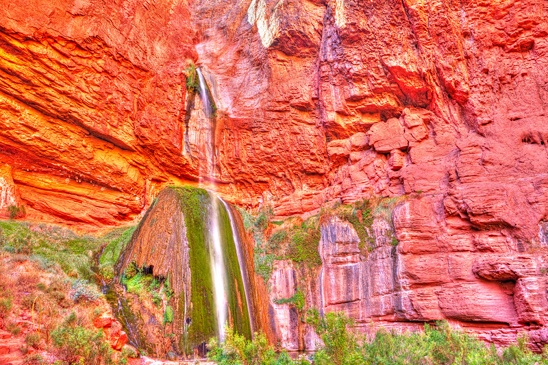 1589 Ribbon Falls