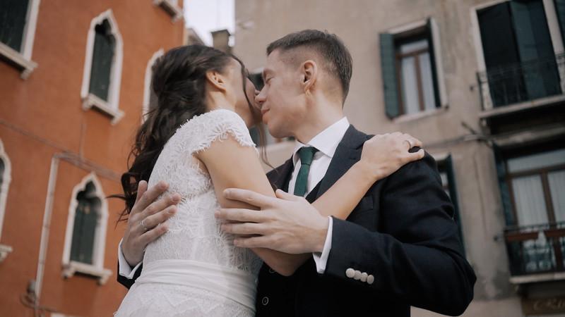 Tu-Nguyen-Destination-Wedding-Photographer-Elopement-Venice-Italy-Europe-w62a28.jpg