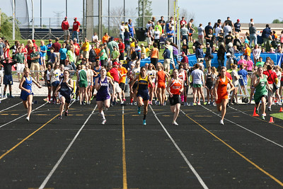 D4 Girls 100 Meters - 2013 MHSAA LP D4 Track and Field Finals