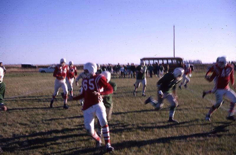 ARS071.  High School – Arthur football - 1964‡.jpg