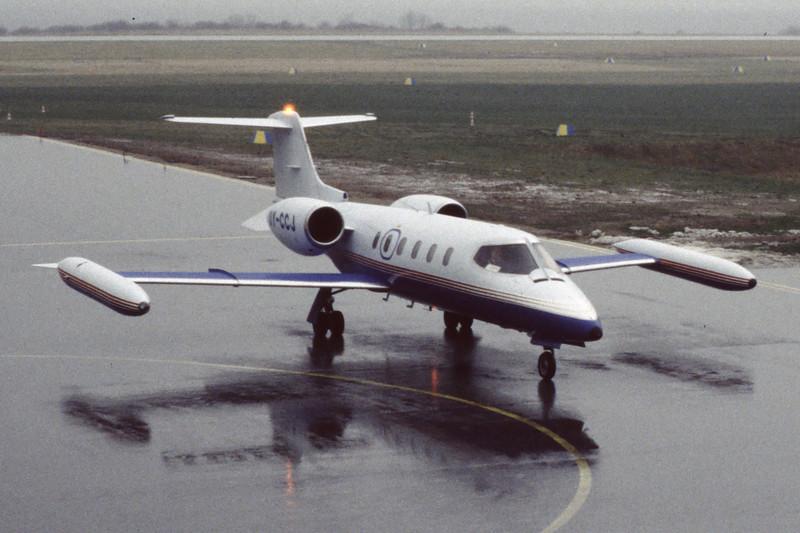 OY-CCJ-Learjet35A-FalckAir-EKSB-1998-03-09-EJ-21-KBVPCollection.jpg