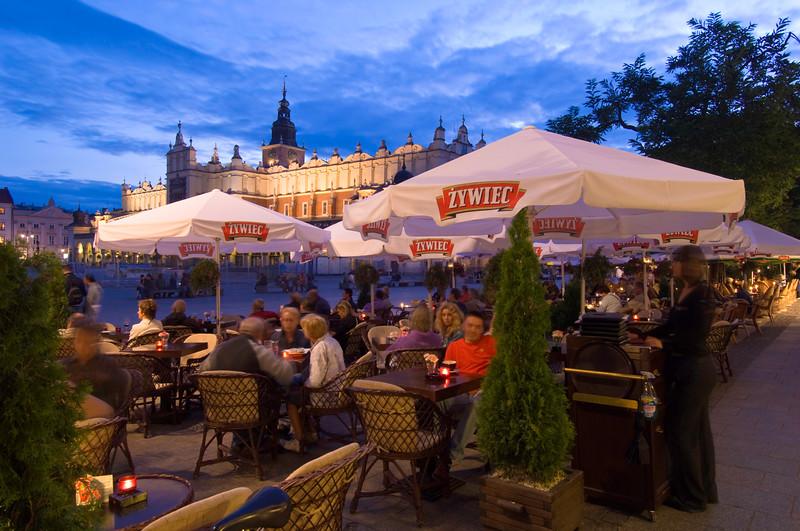 Poland, Cracow, Rynek Glowny at night