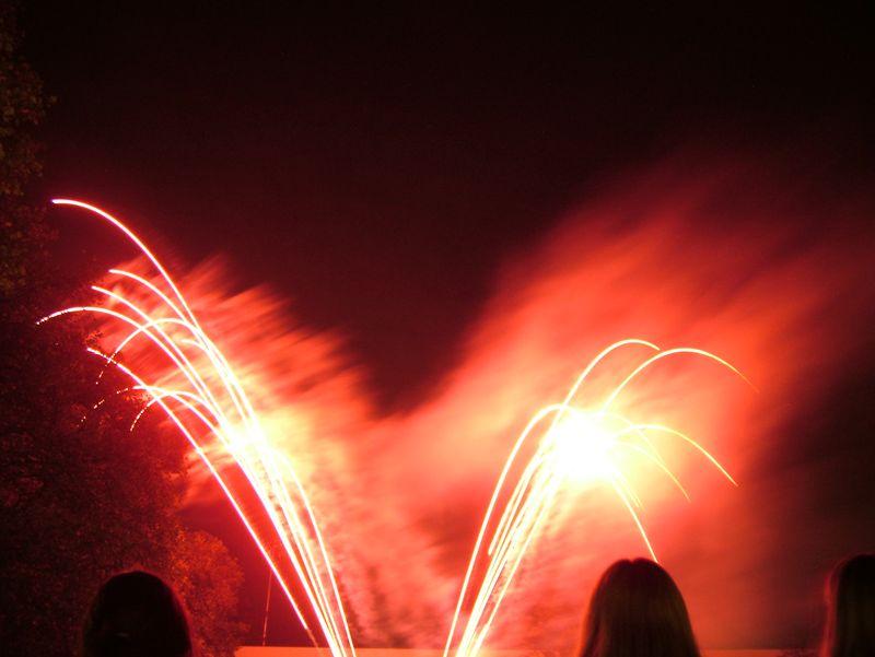 2004_1105putneyfireworks20009.JPG