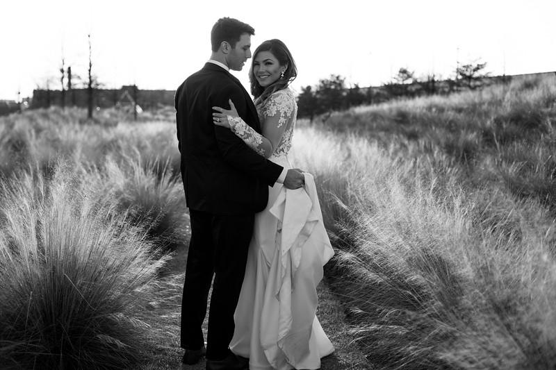 Kate&Josh_B&W_ZACH.WATHEN.PHOTOGRAPHER-443.jpg