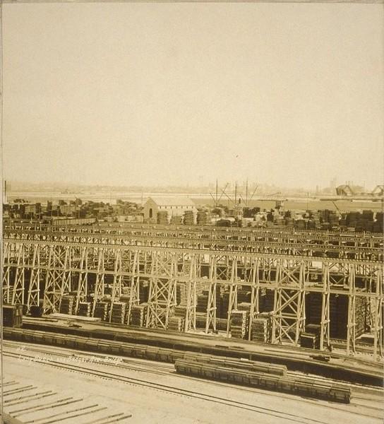 1926-LosAngelesHarbor-SanPedro2LongBeachBAdgerAvBridge.jpg
