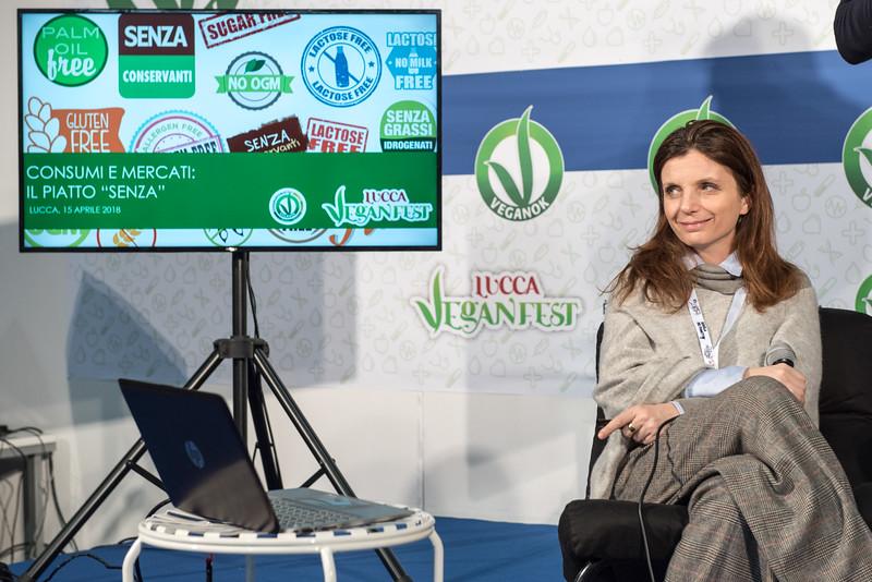 lucca-veganfest-conferenze-e-piazzetta_008.jpg
