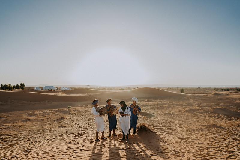 Tu-Nguyen-Destination-Wedding-Photographer-Morocco-Videographer-Sahara-Elopement-497.jpg