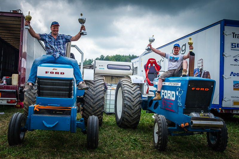 Tractor Pulling 2015 XE2-2493.jpg
