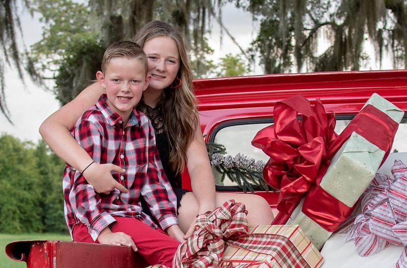 Van Hees 2019 holidays kiddos II cropped.jpg