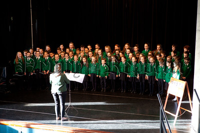 The Choir from St Ronans PS taking part in the Primary School Hymn Singing at Newry Feis. R1510009